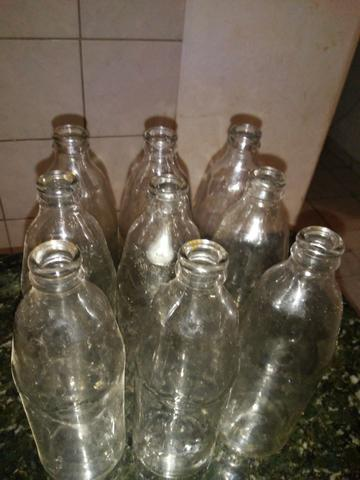 Vendo garrafas para cajuína