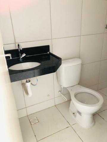 DP duplex com 3 quartos,2 banheiros,garagem,coz. americana,amplo quintal prox messejana - Foto 5