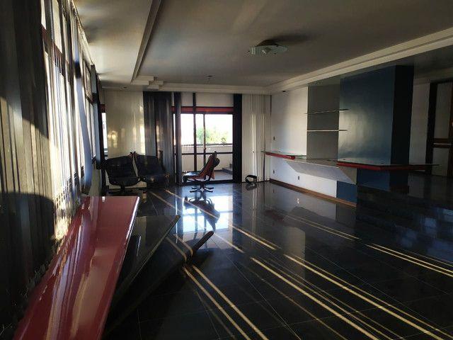 Condomínio Portal das Mansões Luxuoso - 6 quartos sendo 4 suítes - Av.getulio vargas   - Foto 14