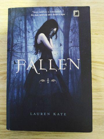 Livro Fallen - Volume 1°