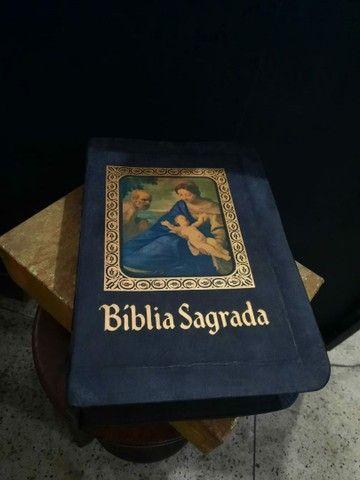 BÍBLIA  SAGRADA EDIÇÃO BARSA DE 1968 - Foto 2