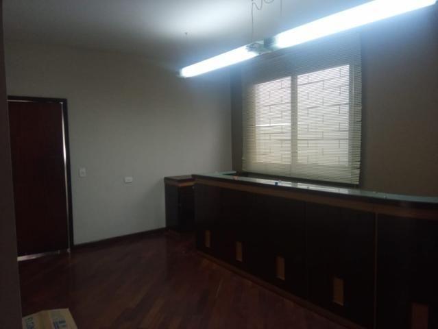 Linda residência comercial com muitas salas e amplo estacionamento - Foto 10