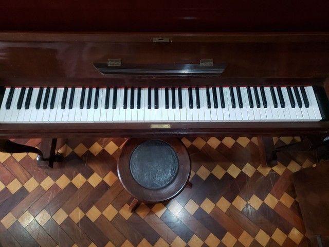 Piano Marca KLANGWERT. 100% Revisado e Restaurado. Afinado em 440 HZ. Acompanha banqueta. - Foto 4