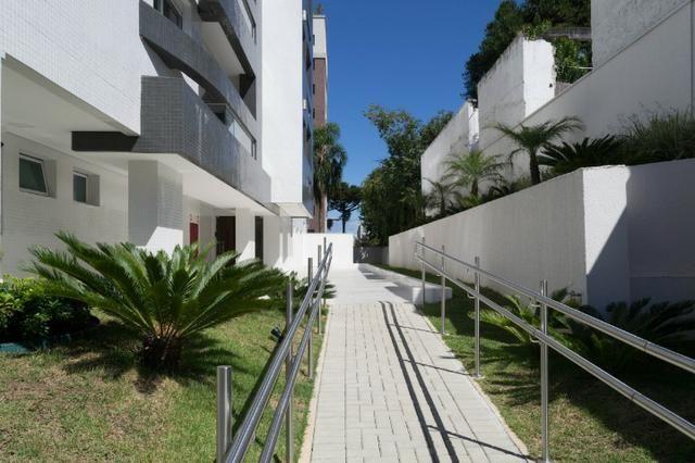 Apartamento com Terraço sendo 03 Suítes no São Francisco em Curitiba. - Foto 2