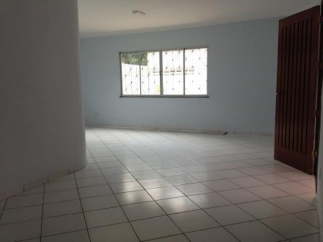 Casa no Aleixo, com 4 quartos, terreno 20x40 Grande, Boa pra Empresa - Foto 2