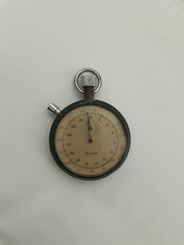 Cronômetro mecânico, à corda