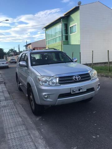 Toyota Hilux SW4 2.7 Gasolina 7 lugares - 09/10