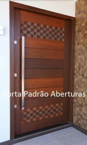 Portas de madeira maciça para Curitibanos - Foto 3