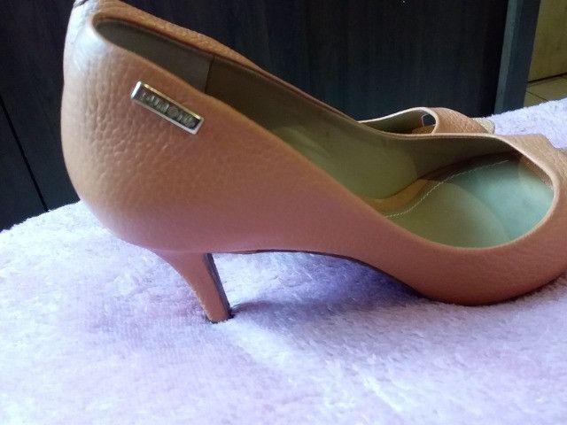 06 sapatos semi novos - Foto 2
