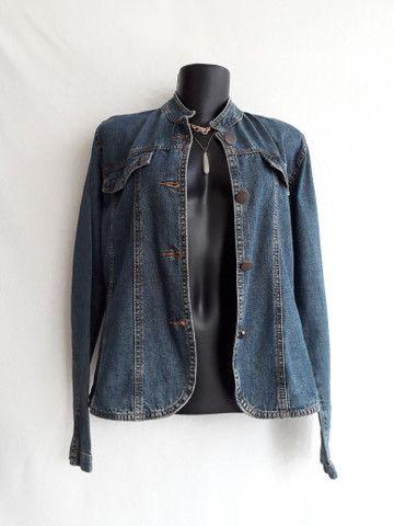 Jaqueta jeans feminina gola mandarim importada da itália - BRECHÓ PASSIONE - Foto 3