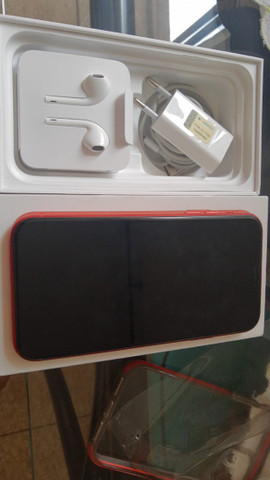 IPhone 11 vermelho  - Foto 2