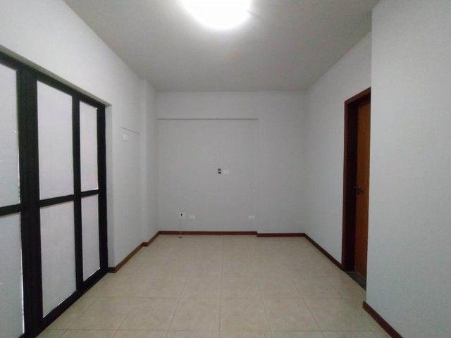 Locação | Apartamento com 130.37m², 3 dormitório(s), 2 vaga(s). Zona 01, Maringá - Foto 6