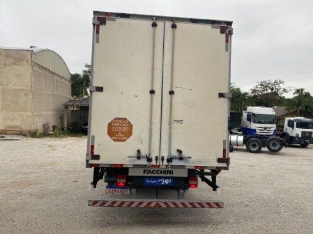 Vw-9.160 Delivery ano:14,branco,com baú furgão de alumínio de 6,20 mts, ótimo estado  - Foto 9