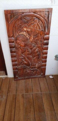 LINDO Quadro talhado em madeira natural