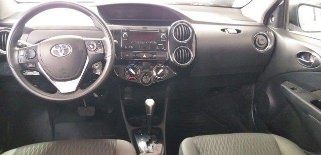 Toyota Etios Xplus Sedan Aut - Foto 2