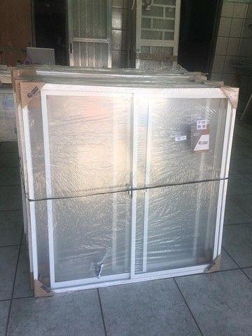 Janela e Bascula em Aluminio Branco completa - Foto 2