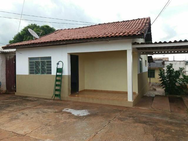 Alugo 2 casas