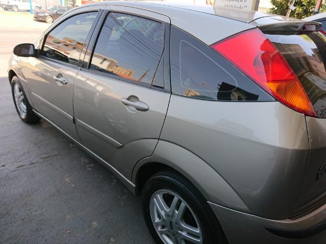 Ford Focus Hacht GLX 1.6 2004 - Foto 4