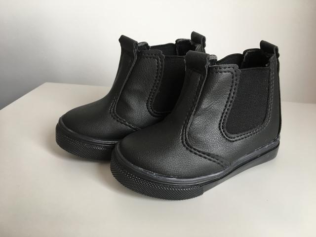 2 sapatos infantis TAM 20 por 30,00 - Foto 3