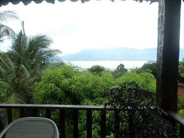Casa em Ilhabela c/4 suites, elevador, vista espetacular, excelente localização