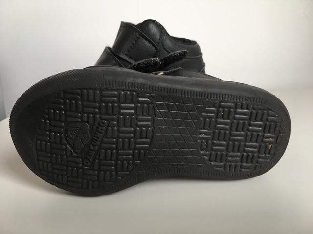 2 sapatos infantis TAM 20 por 30,00 - Foto 2
