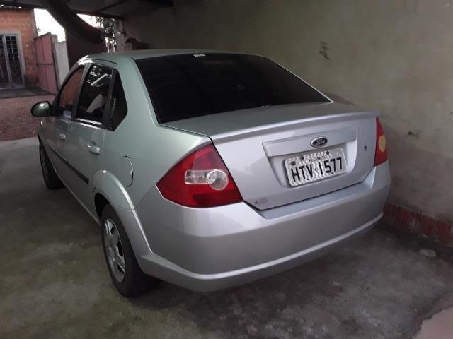 Fiesta sedan super conservado - Foto 2
