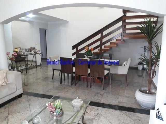 Casa com 04 quartos no bairro Grã-Duquesa - lote inteiro - Foto 13