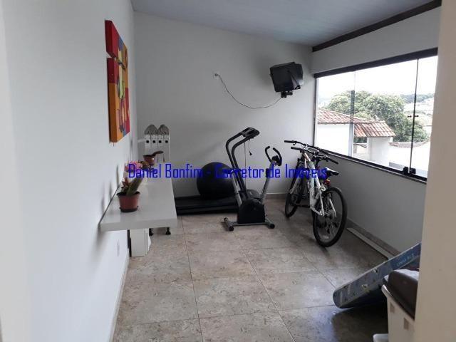 Casa com 04 quartos no bairro Grã-Duquesa - lote inteiro - Foto 11