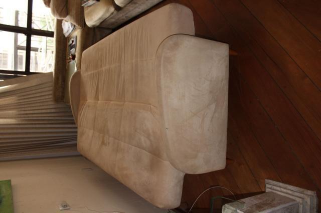 Sofá Cama em Tecido Bege 83cm x 206cm x 73cm - Foto 2