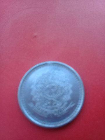 Moeta antiga de 50 Cruzeiros - Foto 2