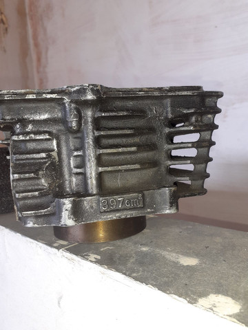 Pistão e cilindro  honda falcon nx400 - Foto 4