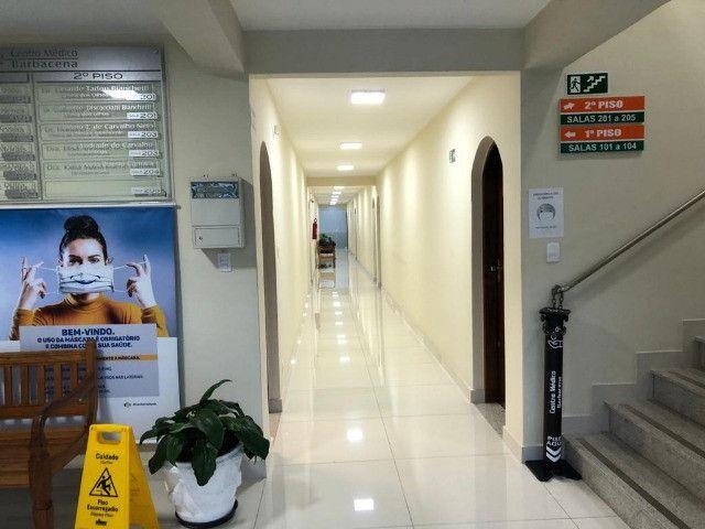 Aluga-se sala em conceituado Centro Médico na região central de Barbacena - Foto 3