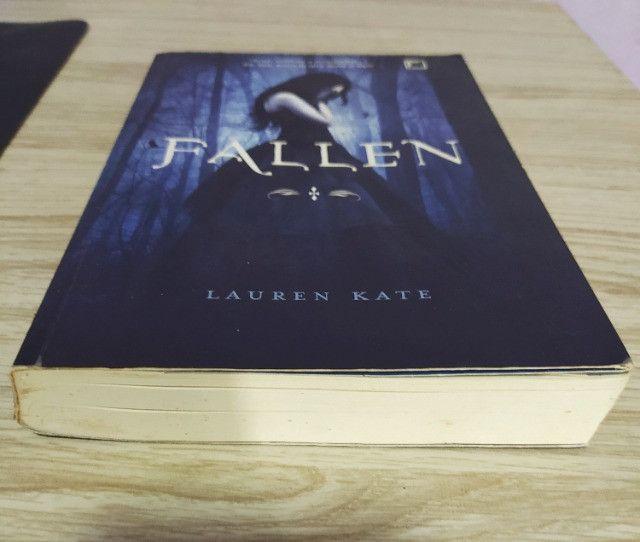 Livro Fallen - Volume 1° - Foto 3