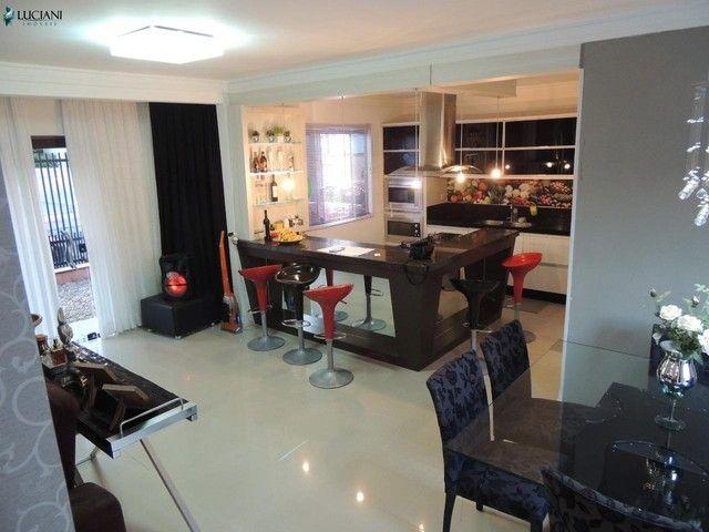 Ótima casa com 03 dormitórios no centro de Balneário Camboriú!