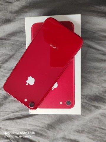 Iphone 8 Red, 256gbs único dono, muito bem conservado. - Foto 2