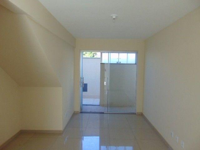 Excelente apto com área privativa de 2 quartos B. Candelária.