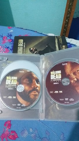 DVD 5 Temporada Completa The Walking Dead - Foto 4