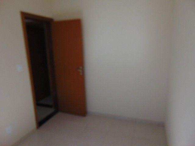 Excelente apto com área privativa de 2 quartos B. Candelária. - Foto 8