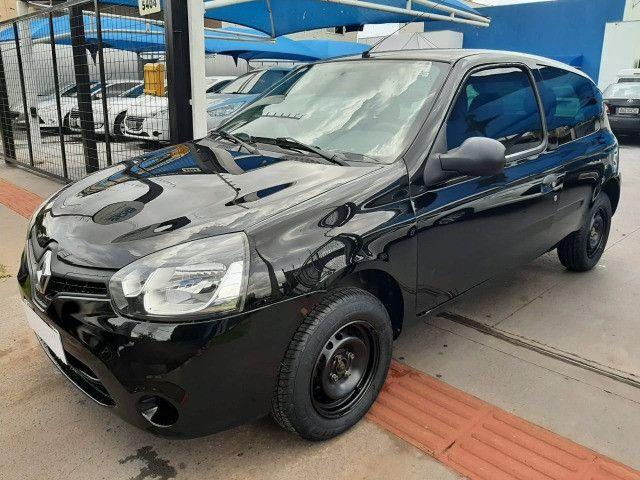 Renault Clio 12-13 2P Flex 04 Pneus novos R$ 18.900