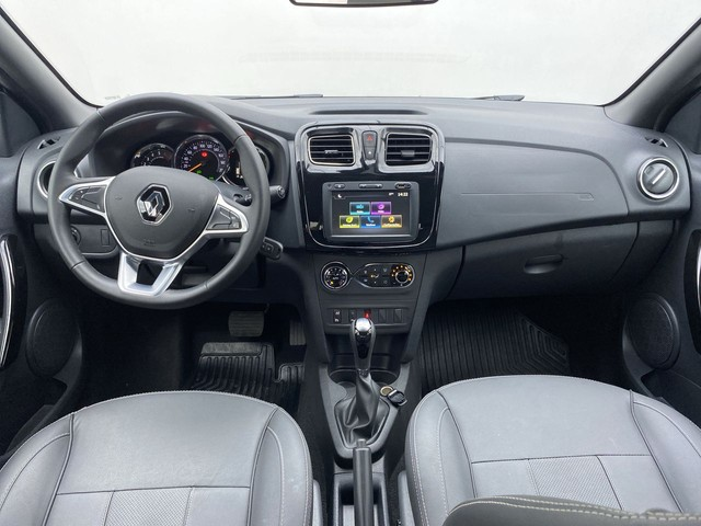 Renault LOGAN LOGAN Iconic Flex 1.6 16V 4p Aut. - Foto 12