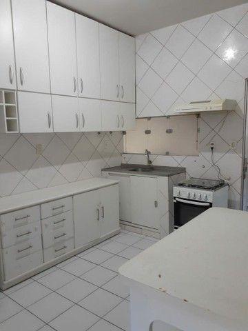 Alugo apartamento mobiliado com dois quartos com suite - Foto 4