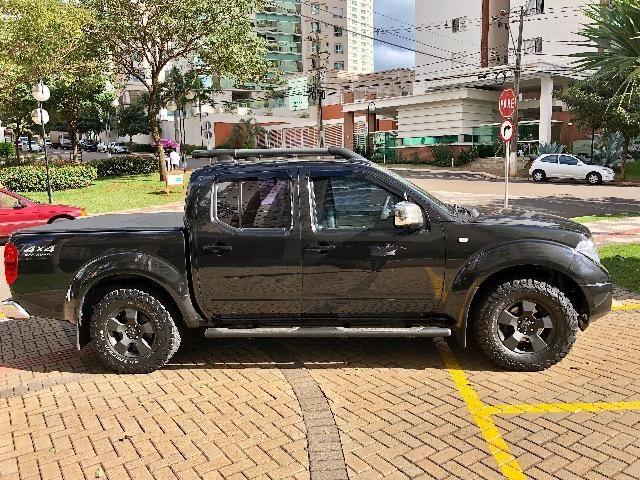 Nissan Frontier 2.5 LE 4x4 Automática Impecável - Foto 3