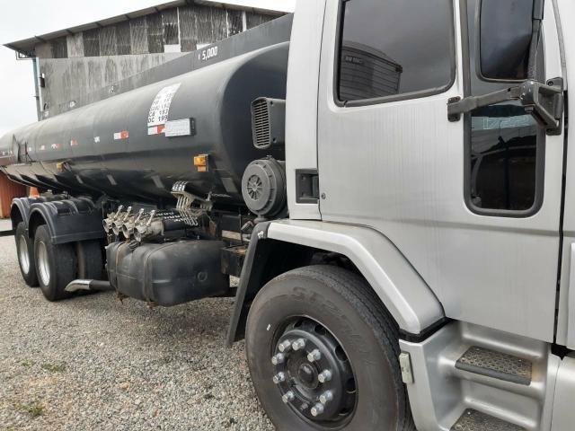 Ford Cargo 1722 Truck com Tanque de Combustível - Foto 5