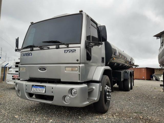 Ford Cargo 1722 Truck com Tanque de Combustível - Foto 2