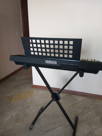 Teclado musical Yamaha PSR 310