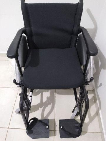 Cadeira de rodas, NOVA SEM USO! - Foto 2