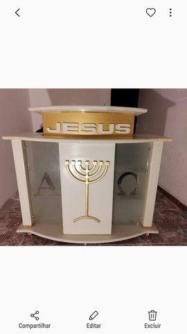 Púlpito de madeira maciça