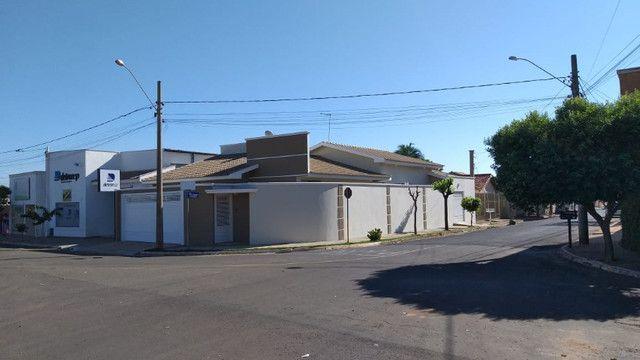 Casa de 3 quartos, 3 banheiros e 3 Garagens em Buritama - SP - Foto 2
