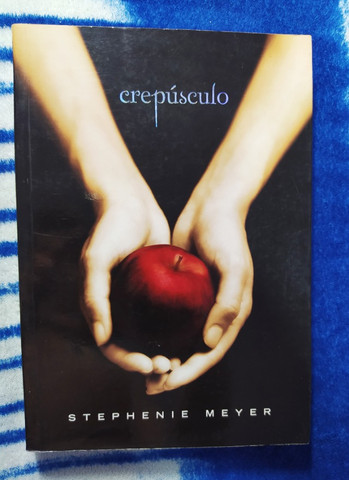 Livro Crepúsculo - Volume 1° - Foto 2