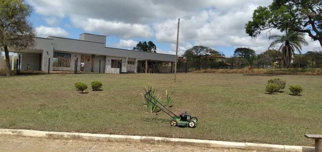 Poda de grama com cortador a gasolina sopro e retiro  - Foto 4
